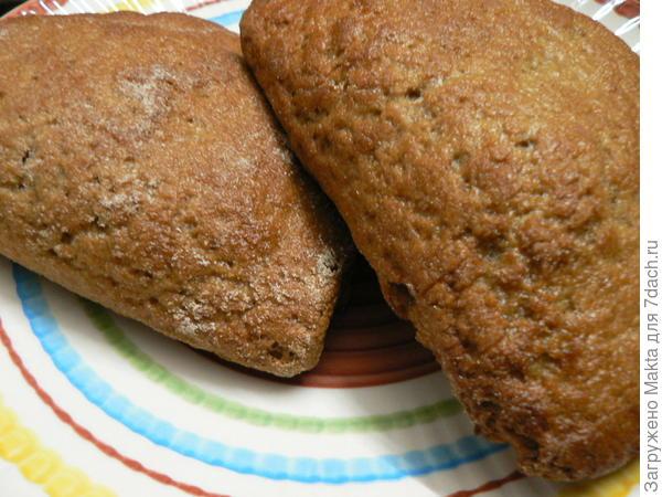 """""""Загибаньки"""" - внутри картофельная начинка, тесто ржано-пшеничное бездрожжевое."""