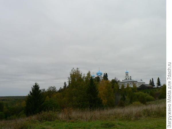 Восточная сторона монастыря