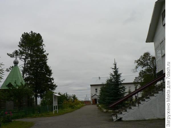 Келейный корпус, 2-хэтажный, прост в архитектурном плане