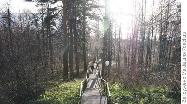 Лестница к монастырю от источника