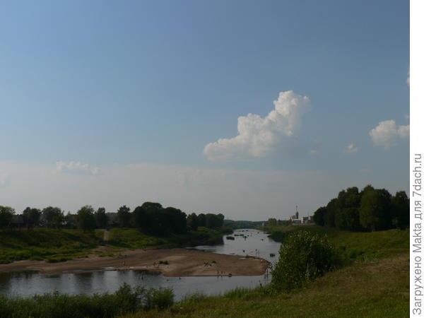 Место впадения рек обмелело