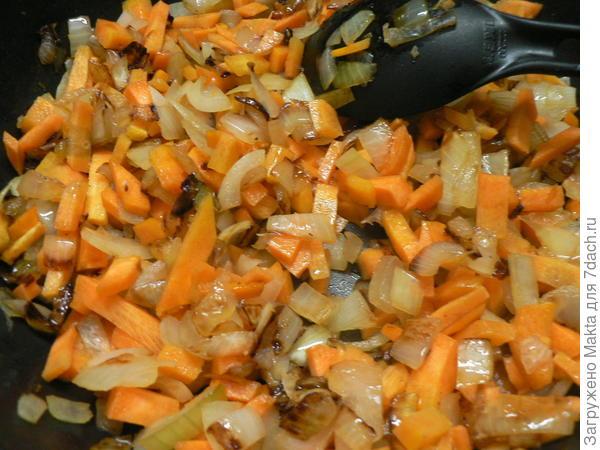 Голубцы из савойской капусты с картофелем и грибами в сливках и запеканка из савойской капусты