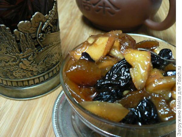 Варенье-хошав из сушеных яблок и сухофруктов