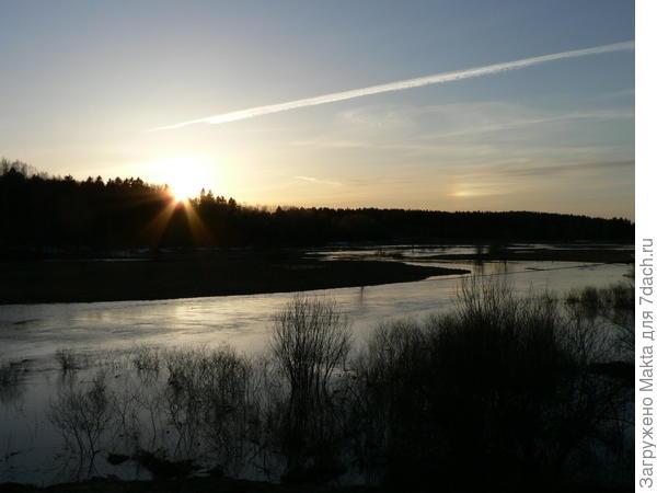 20 апреля - разлив на реке