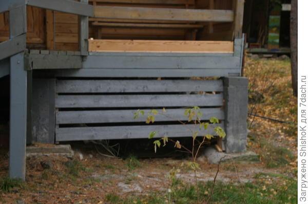 бетонные «столбики» можно ставить на более широкую подушку.