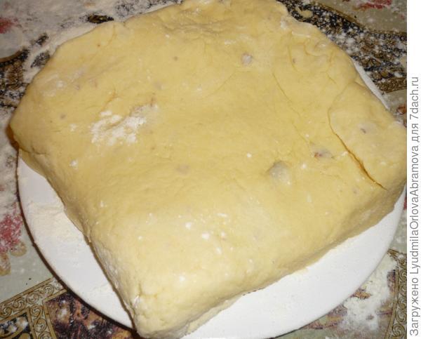 Складываем тесто, как слоеное