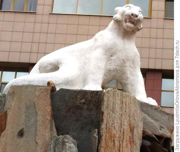 Белый барс - талисман Казани