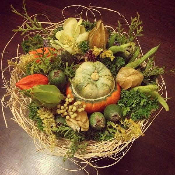 "Тыква сорта ""шляпа кардинала"", физалис, фейхоа, петрушка, фасоль. Фото с сайта https://vk.com/o_horosho"