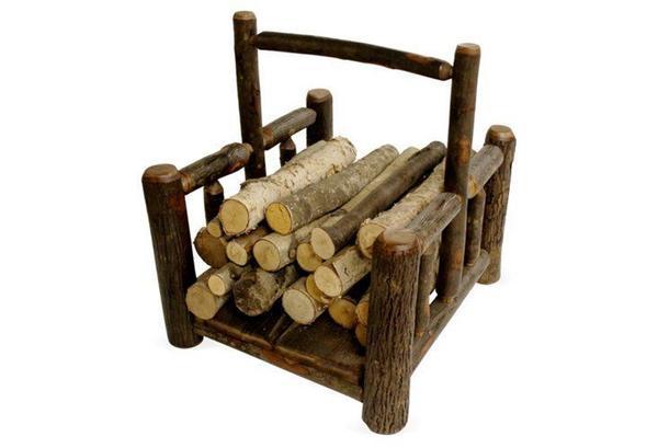 Дровница из дров. Фото с сайта https://www.onekingslane.com