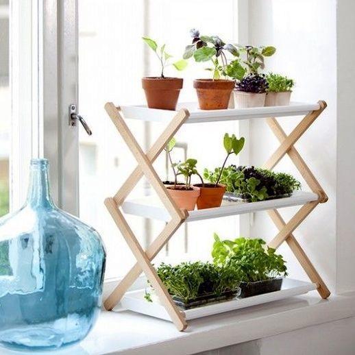 Складной стеллаж для подоконника. Фото с сайта http://diyordie.elledecoration.se
