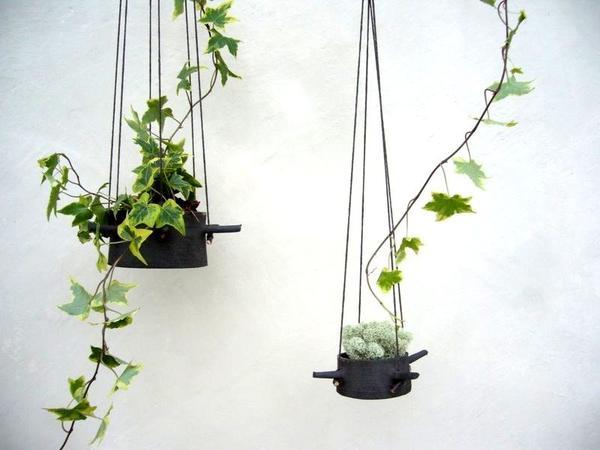 Керамические подвесные кашпо. Фото с сайта http://www.digsdigs.com