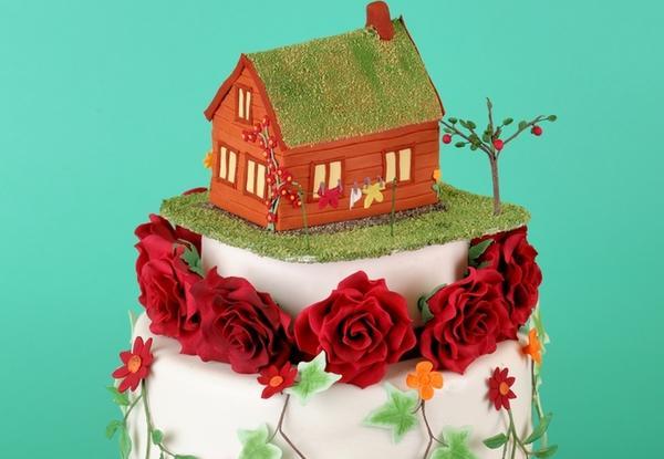 Можно заказать эксклюзивный торт с миниатюрной копией дачного участка