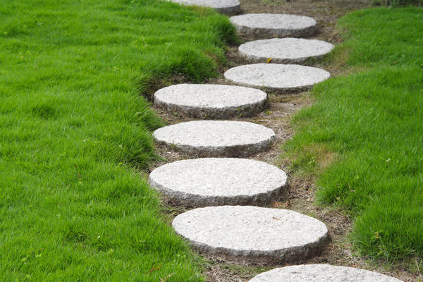 Вариация на тему бетонной садовой дорожки