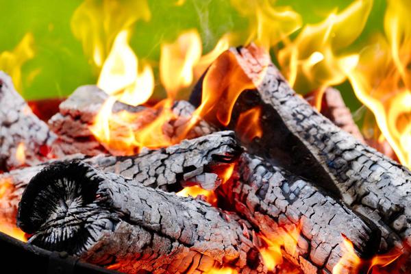 При горении выделяется слишком много углекислого газа