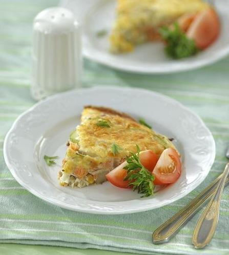 Омлет с лососиной и овощами