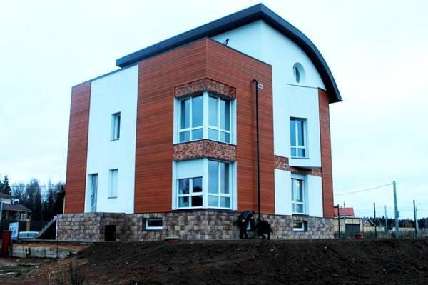 Недавно построенный пассивный дом в Подмосковье. Фото: Институт пассивного дома