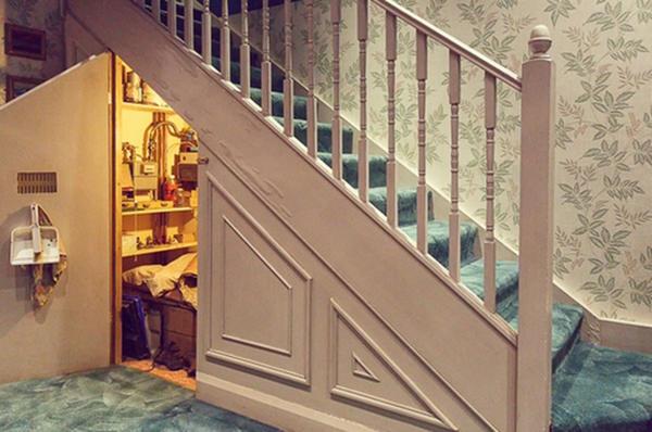 Чулан под лестницей в доме Дурслей. Фото с сайта http://www.prokomnaty.ru