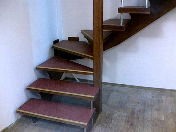 Лестница на больцах. Фото с сайта http://www.unibo.ru