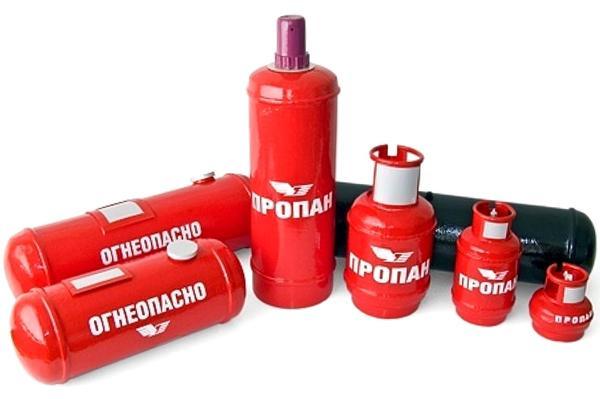 Газовые баллоны разной формы. Фото с сайта http://retdoz.ru