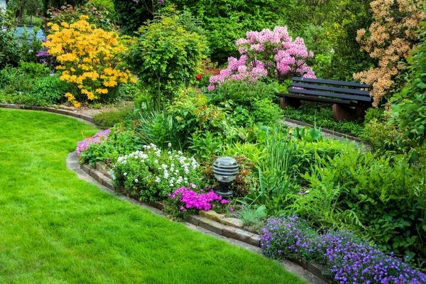 Мода находит отражение во всех сферах жизни, в том числе в дизайне сада
