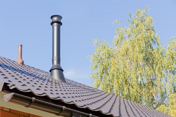 Современный дымоход и вентиляция на крыше