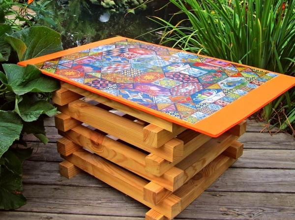 Садовый стол в фольклорном стиле