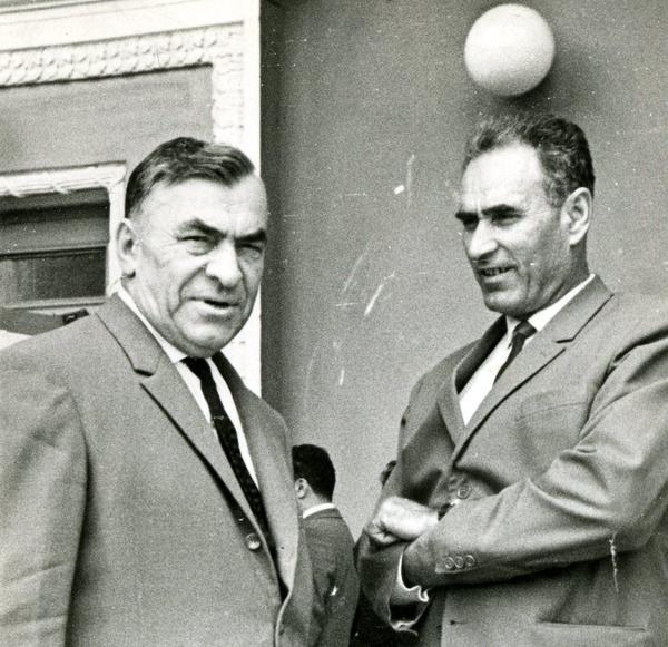 Феодосий Дионисьевич Воронов на съезде (на фото слева)