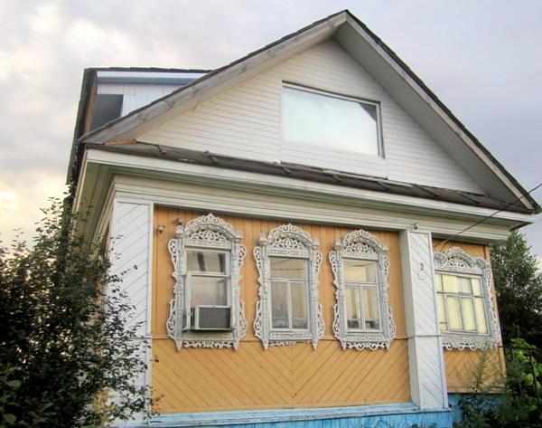Дом с достроенной мансардой в поселке Пестяки.