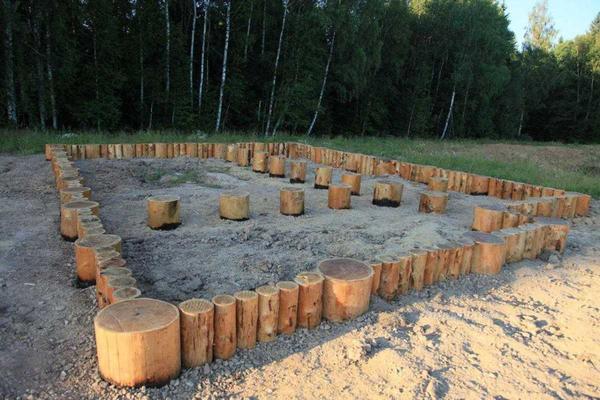 Столбчатый фундамент под сруб. Фото с сайта http://pro-fundament.com