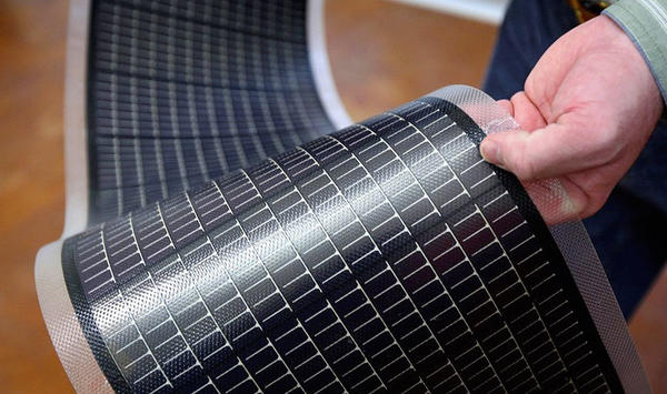Аморфные солнечные батареи. Фото с сайта solarb.ru.
