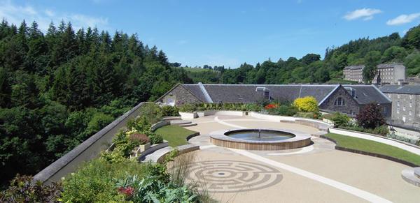 Сад на крыше. Нью-Ланарк, Шотландия. Фото с сайта www.newlanarkroofgarden.co.uk