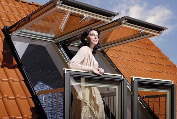 Окно-балкон. Фото с сайта fakro.ru