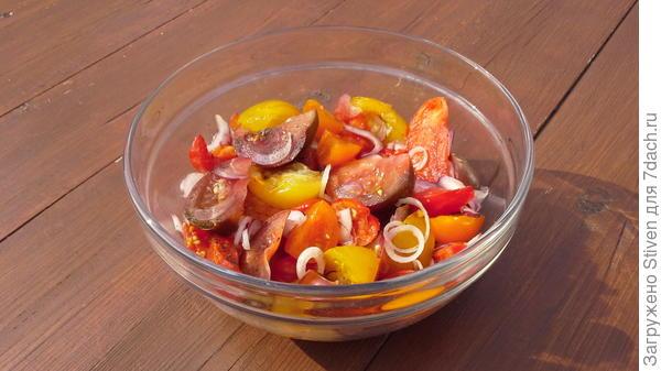 Овощи в салатнике