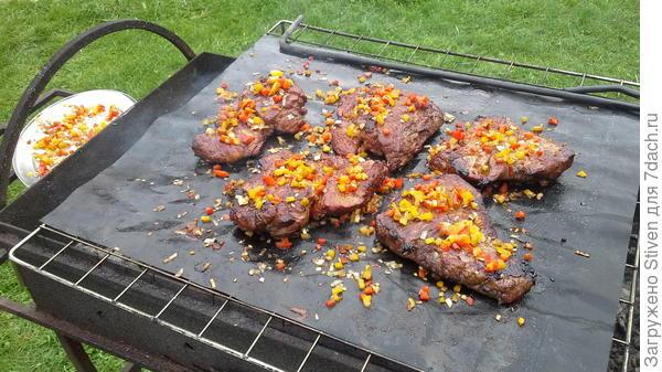 Готовится мясо