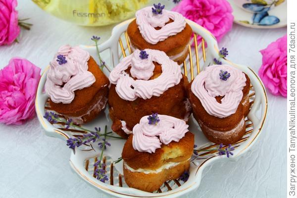 Лавандовые пирожные