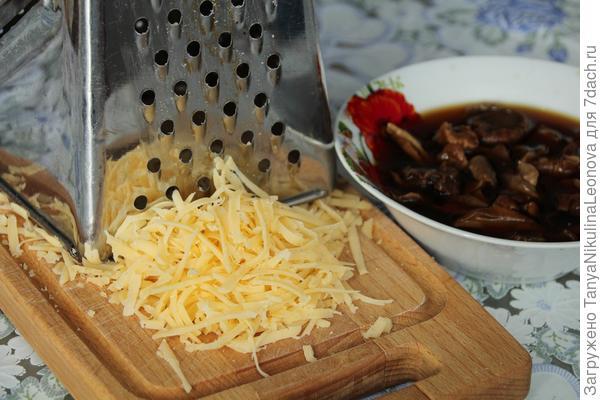 Тефтели с белыми грибами в ароматном соусе