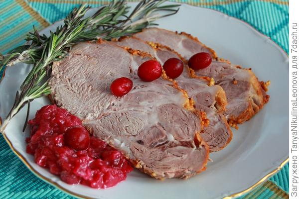 мясо с соусом