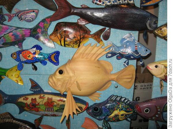 Рыбы из дерева