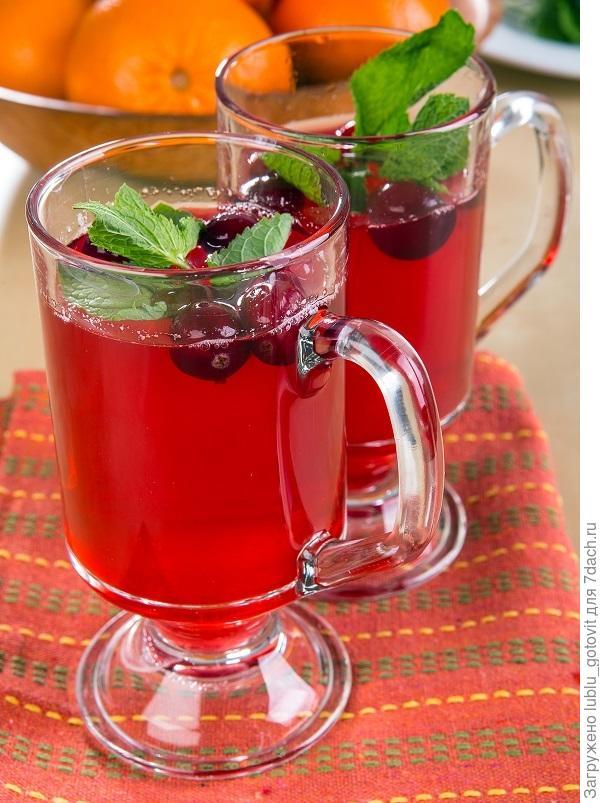 Клюквенный чай с мятой и гвоздикой