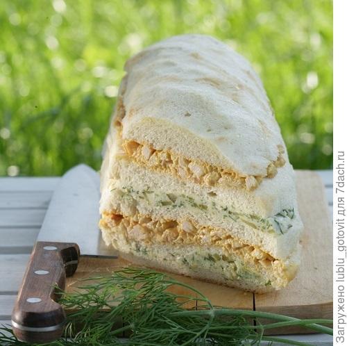 Слоеный бутербродный торт