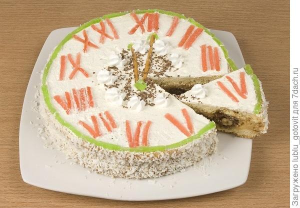 """Торт """"Сюрприз к Новому году"""" Фото: А. Соколов/BurdaMedia"""