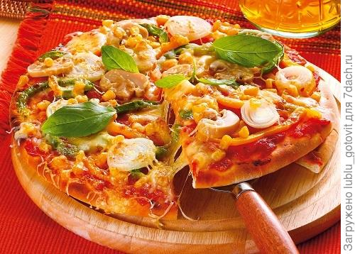Пицца с кукурузой и сыром  Фото: Олег Кулагин/BurdaMedia