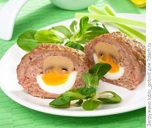 Зразы с вареными яйцами и жареными шампиньонами Фото: Олег Кулагин/BurdaMedia