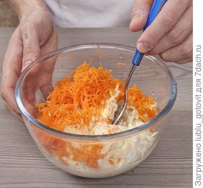 шаг 2 Соединям картофельную массу с морковной
