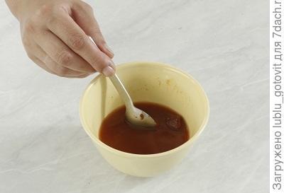 шаг 3 Разводим томат-пасту
