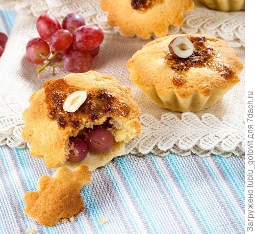 Песочные кексы с виноградом и орехами. Фото: Олег Кулагин/BurdaMedia