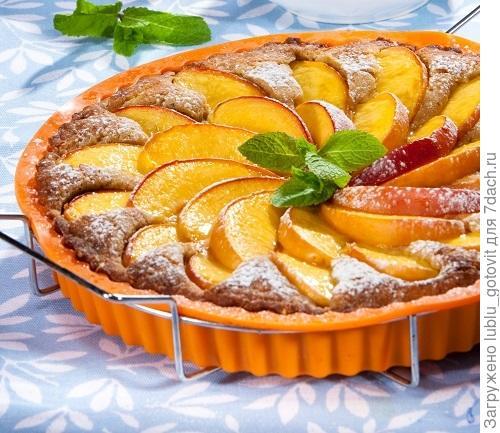 Пирог с нектаринами/Фото: Олег Кулагин/BurdaMedia