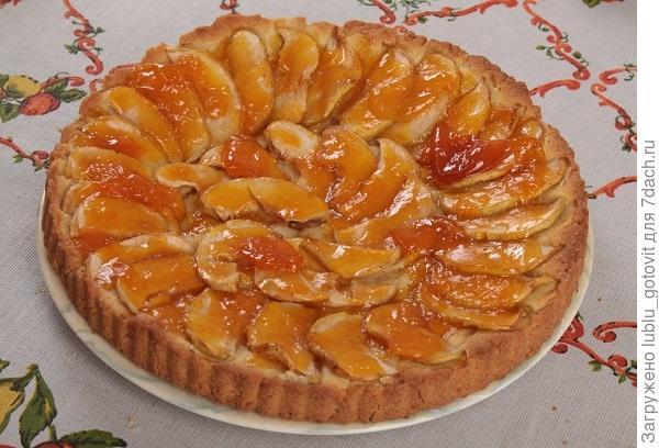 Яблочный пирог с вареньем/Фото: Дмитрий Позднухов/BurdaMedia