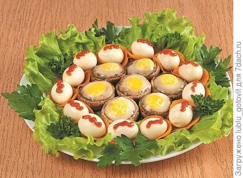 Маринованные яйца, запеченные в грибах/Фото: А. Соколов/BurdaMedia