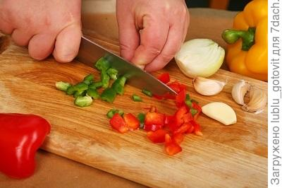 Шаг 2. Нарезаем овощи
